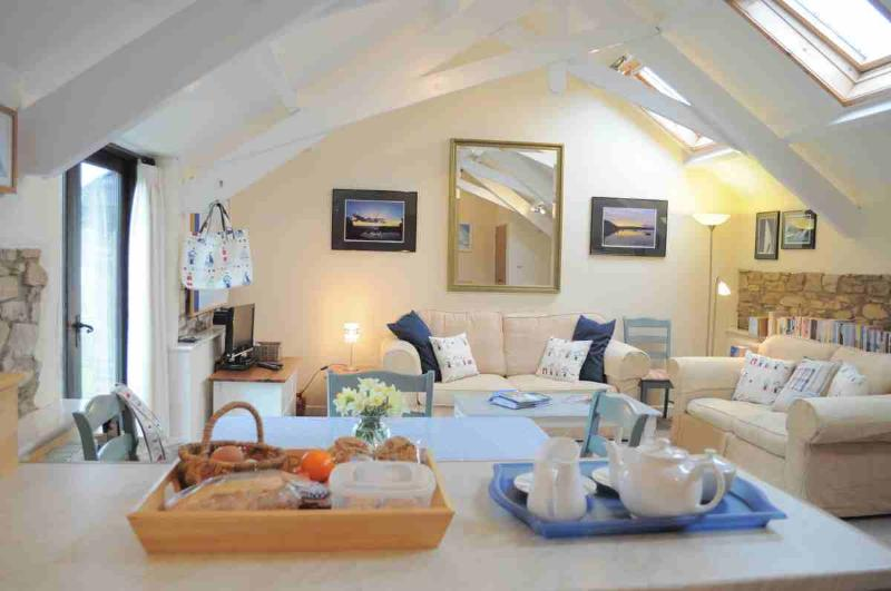 A warm welcome to Swallow Barn awaits your arrival