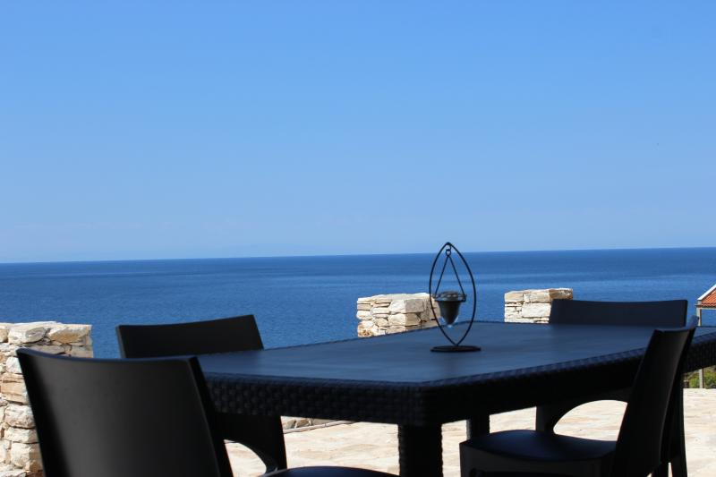 Azzurro apartment, holiday rental in Skala Sotiros