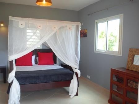 LES GITES DE L'ANSE (Yole) 1 chambre (2 personnes), holiday rental in Grande-Terre Island