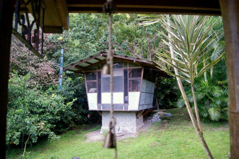 Romantic Birdhouse Cottage for 2, holiday rental in Dominica