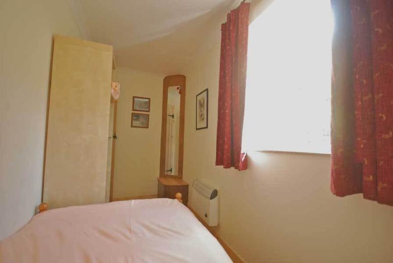 Hydrangea single bedroom