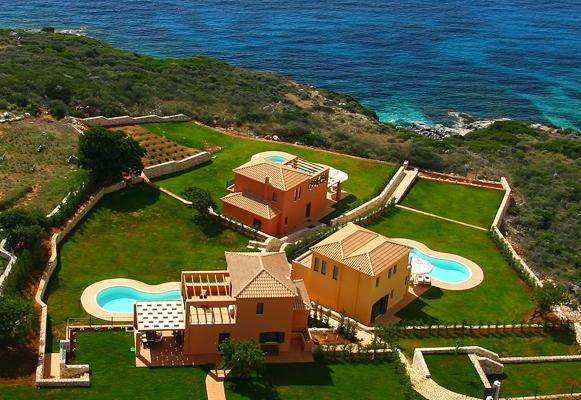 Villa Brio Exclusive is located just on the coastline of Skala