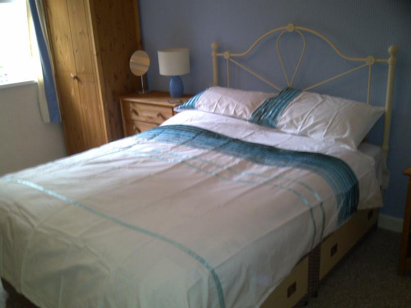 Downstairs En-suite Double Bedroom