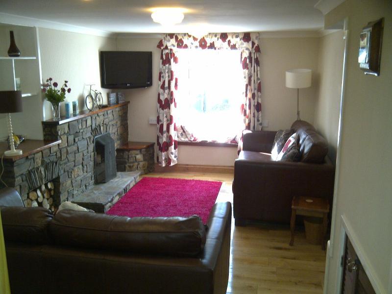 Lounge with lovely oak floor