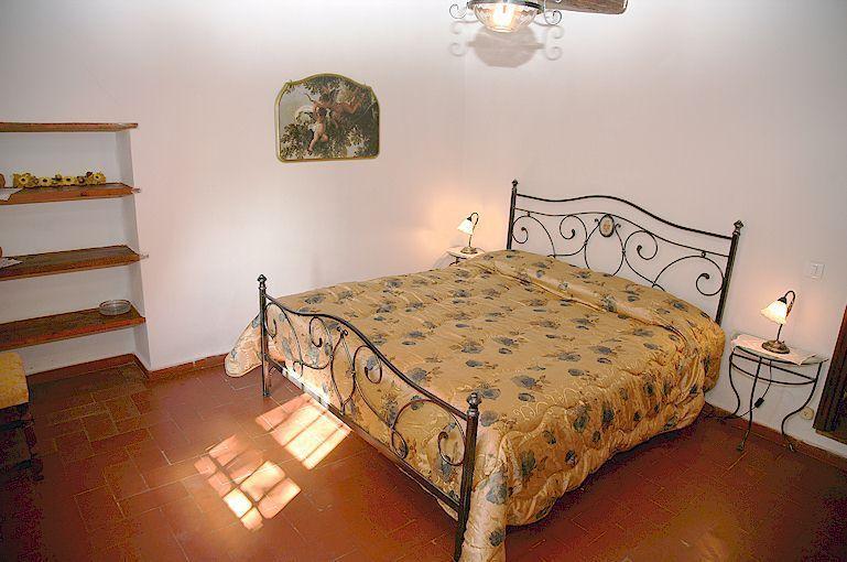 Agriturismo Sommassa double bedroom