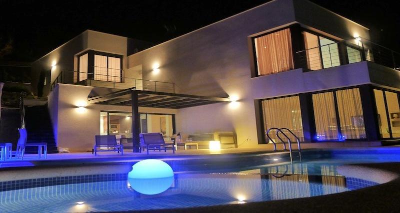Villa Chanel Night
