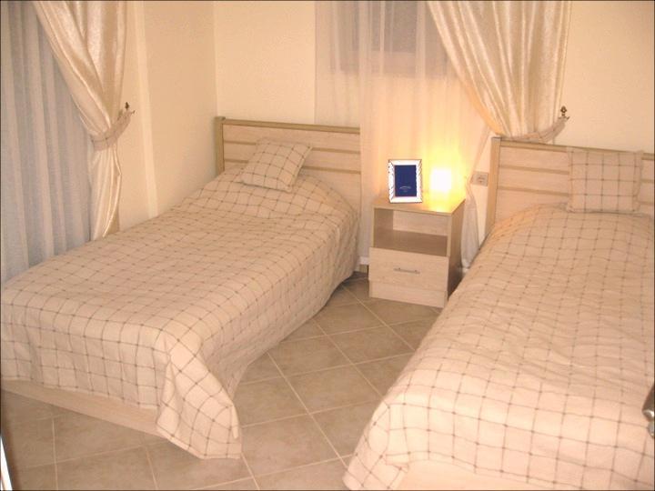 El segundo, camas, dormitorio