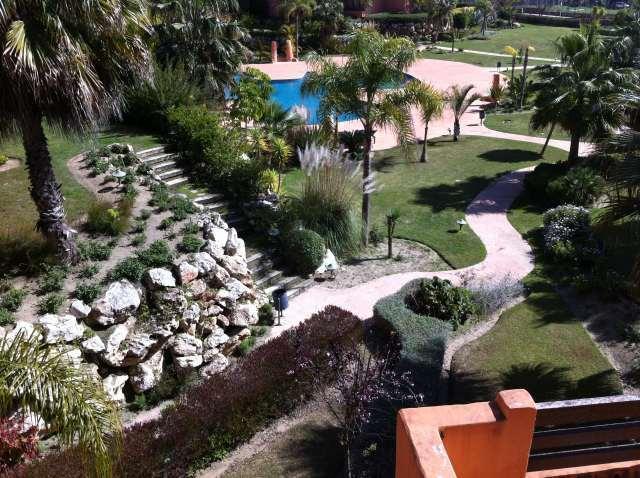 gardens below