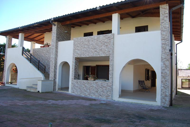 Residence Anthiros 1, holiday rental in Fontane Bianche