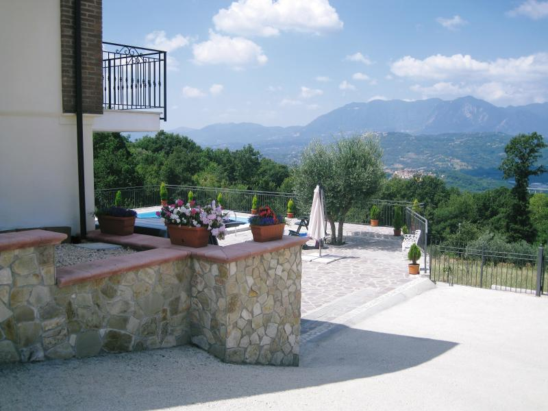 Side view of the villa with the pool and the stunning panoramic views