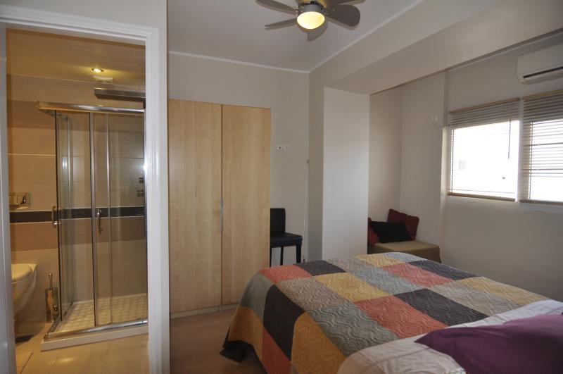 All en suite Queen bedrooms - all sleep 2 or 3 guests