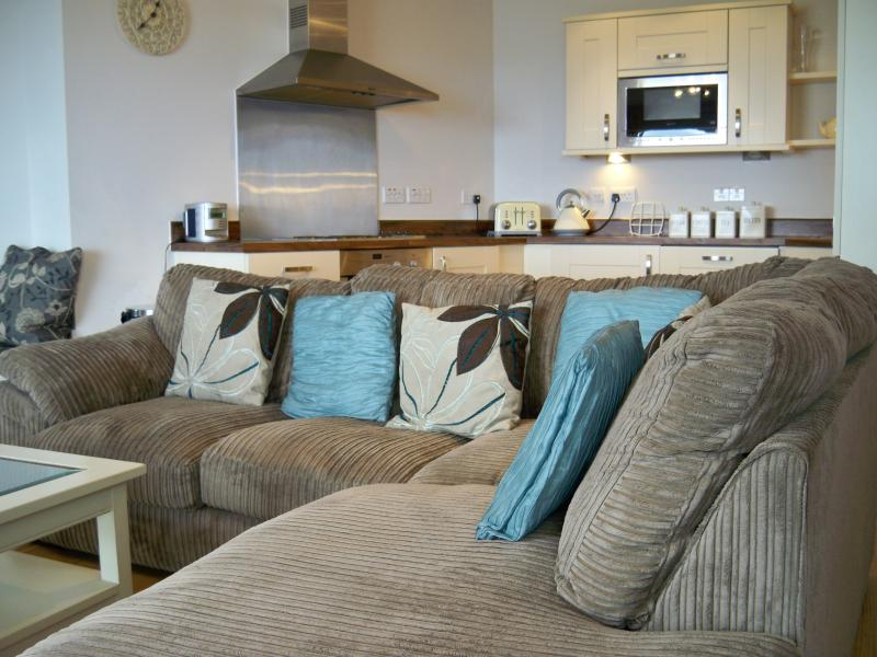 Furnished with new Sofa 2012.