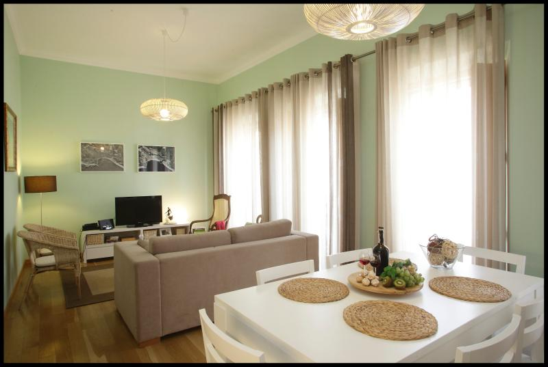 Sala de estar y cocina espacio abierto