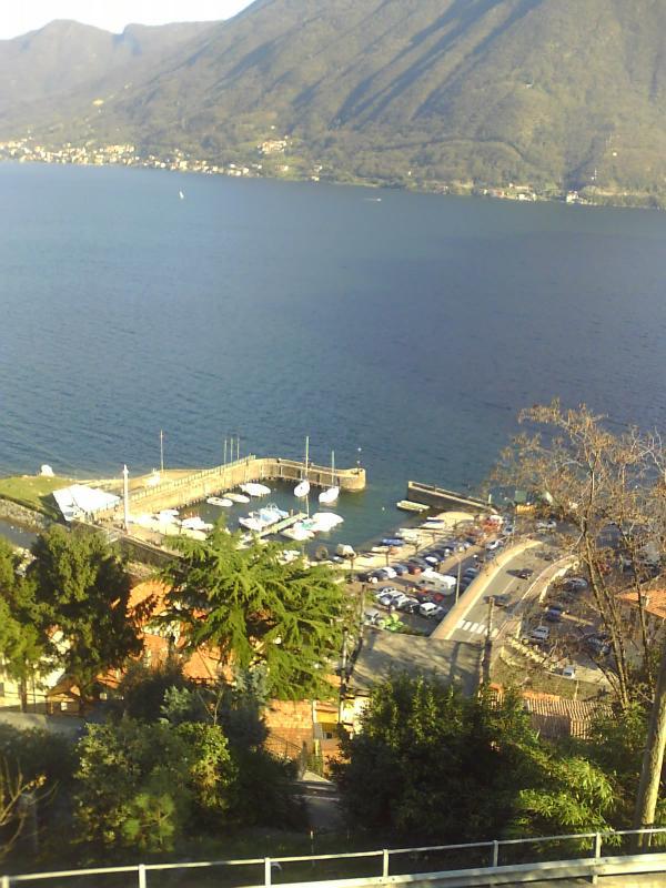 Argegno port vu de la terrasse