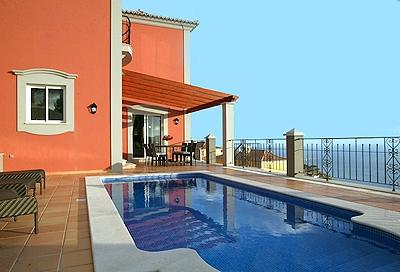 THREE BEDROOM VILLA KIKA WITH PRIVATE HEATED POOL , FUNCHAL AND SEA VIEWS AND PRIVATE GARDEN