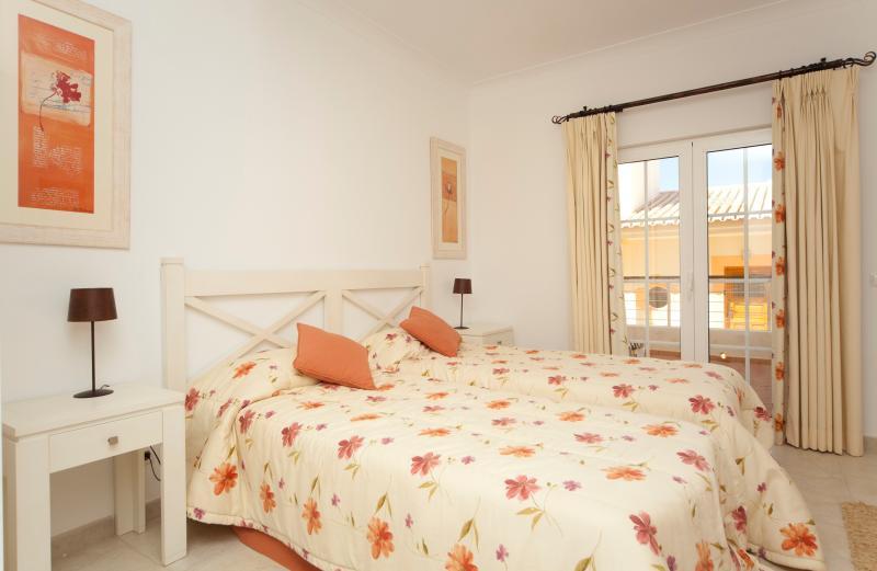 Twin bedroom Casa Figueira