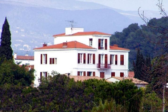Azur Eden- Studio vue mer, location de vacances à Villeneuve-Loubet