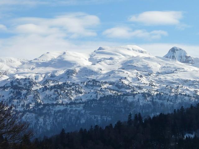 montagne enneigée s vue s d'aramits