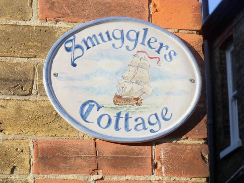 Smuggler's Cottage your beach retreat