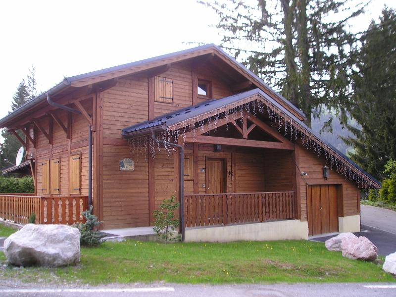 Chalet Bleu - charming detached chalet on Rte Des Chavannes