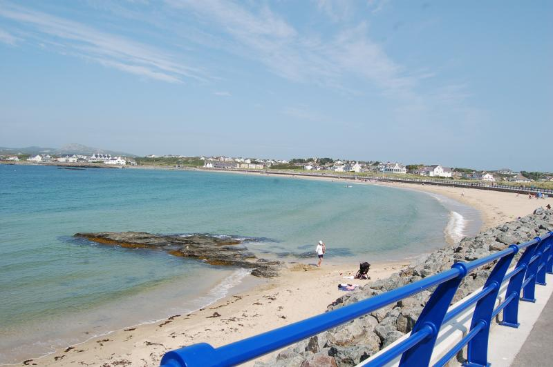 The Gogarth Suite, Stunning Sea View Ground Floor, Pets Welcome,Apartment, vacation rental in Trearddur Bay