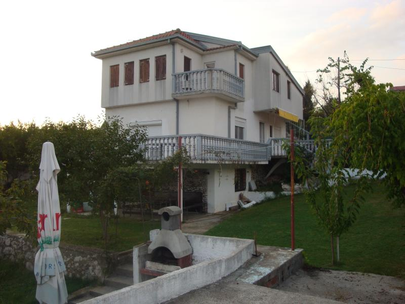 House in Blagaj by the river, alquiler vacacional en Mostar