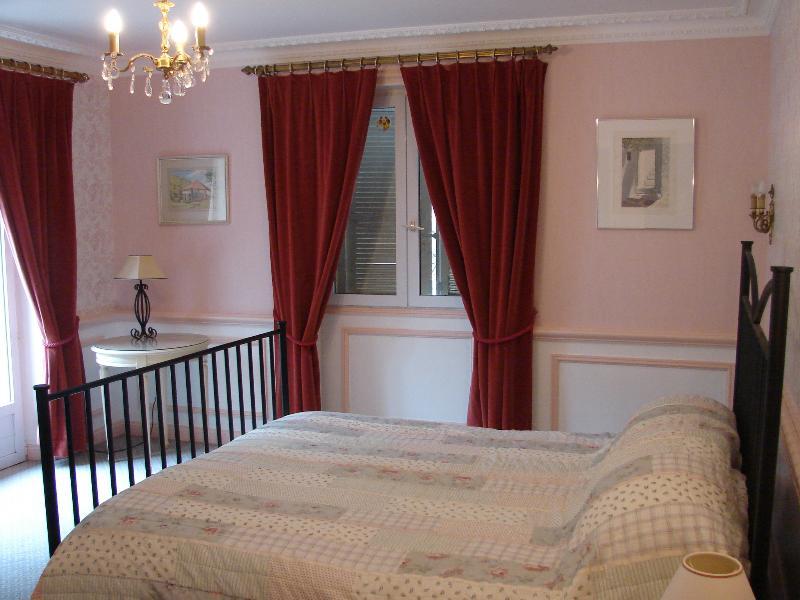 spacious 1st floor bedroom with Romeo & Juliet balcony