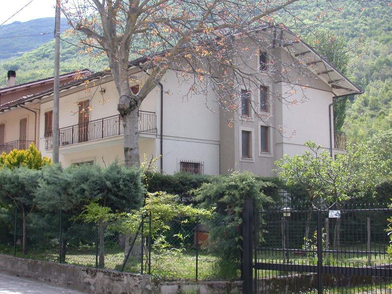 Casa nel Parco Naz.M.Sibillini, vacation rental in Macerata