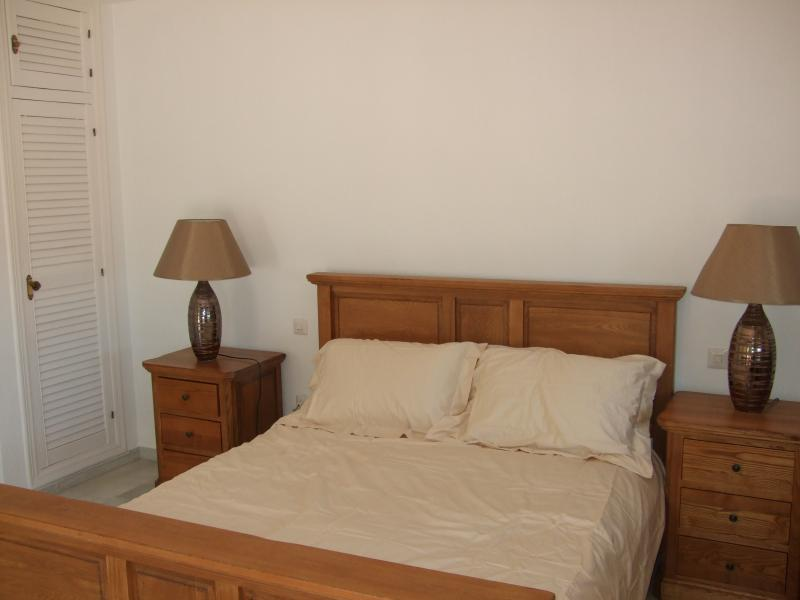 double room, has own en-suite and balcony etc in master nedroom,
