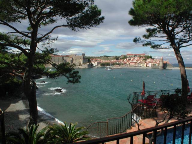 uma visão de Collioure, a aldeia vizinha - um olhar sobre Collioure, a nossa bela cidade vizinha