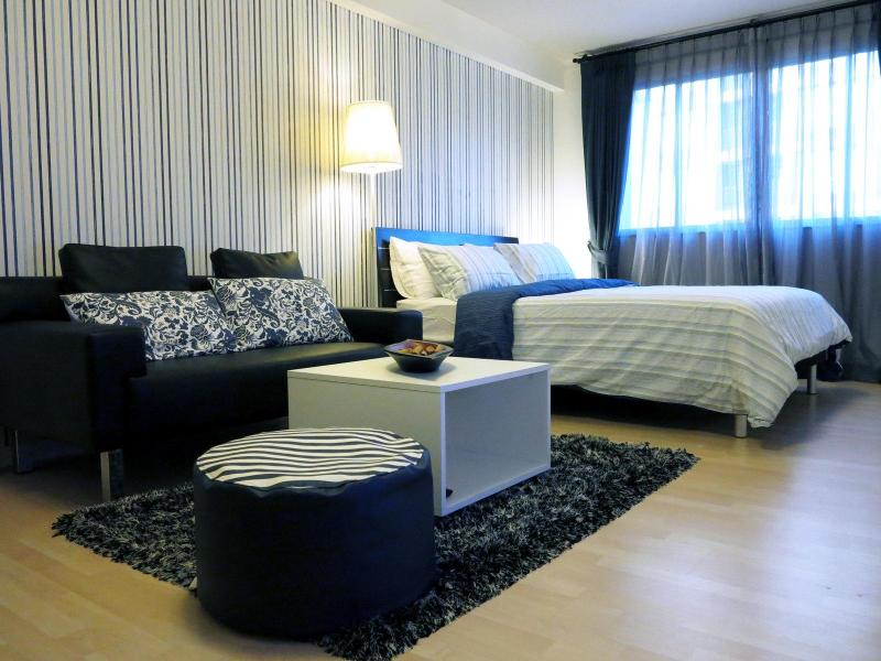 Modern Finished Condo in Central Location, holiday rental in Koh Kaew