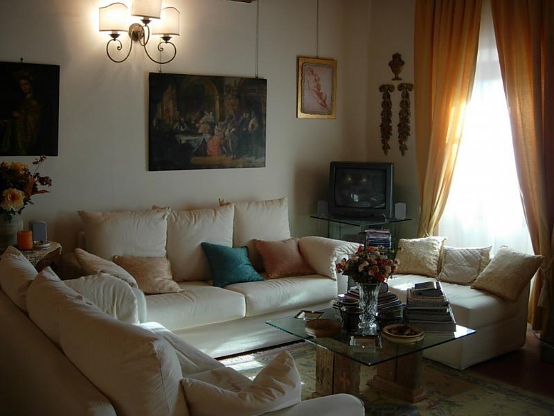 Appartamento Storico Chianti, vacation rental in Marcialla