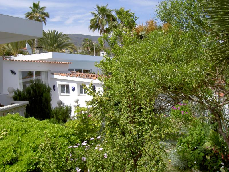 Lovely detached villa in your own mature private gardens