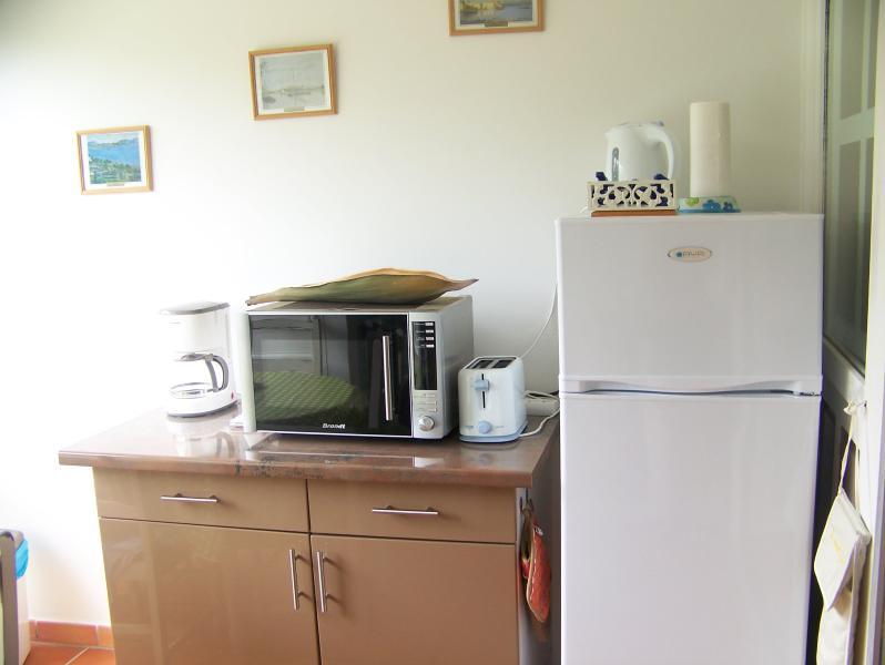 cuisine avec frigo congelateur et four