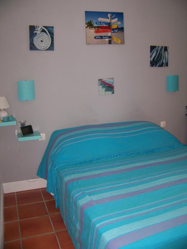 chambre avec lit de 1.60