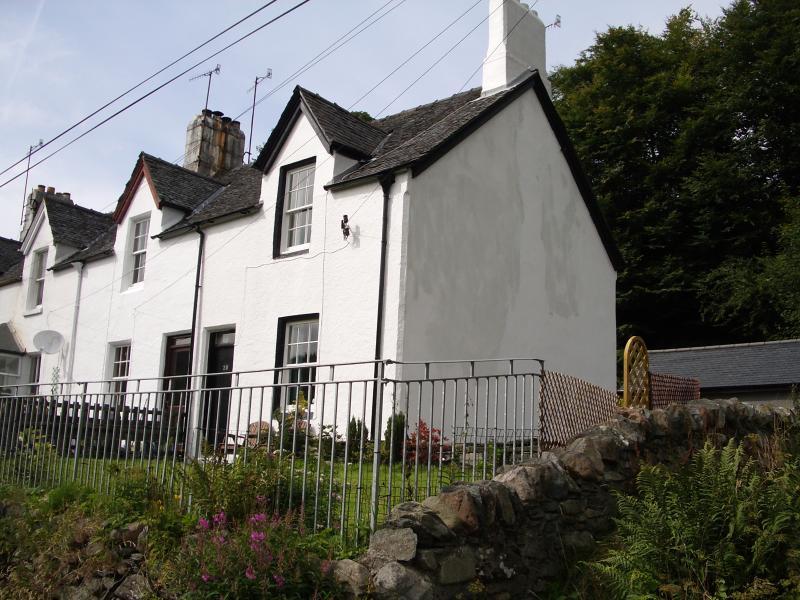 Cairnbaan Cottage
