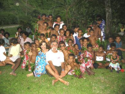 Visita nuestro pueblo Fijiano local!