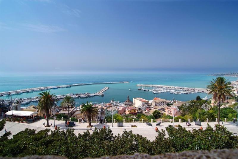 Vista del porto di Sciacca