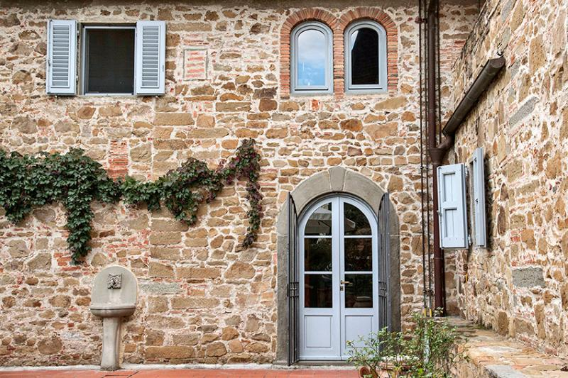 Villa in  Tuscany with spectacular view, vacation rental in Bacchereto