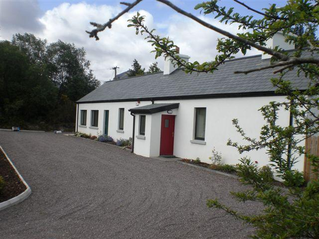 Beaufort Suite - The Buglers Cottage, holiday rental in Killarney