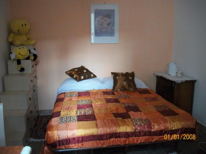 mini appartamento delizioso, holiday rental in Tivoli