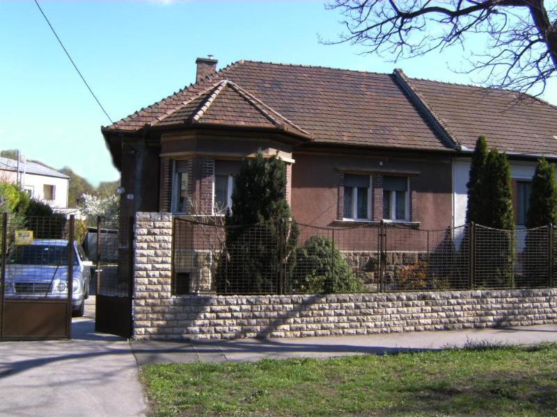 Ferienhaus in Budapest mit Garten - Hunde-freundlich, holiday rental in Gyal