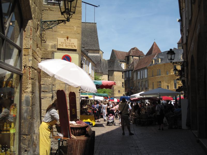 Visit Sarlat Market