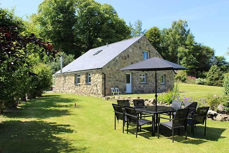 Bragdy Wern (Brewery) sleeps 10, holiday rental in Abersoch
