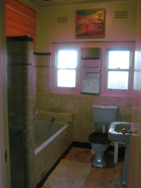 Art Deco Master family bathroom upstairs