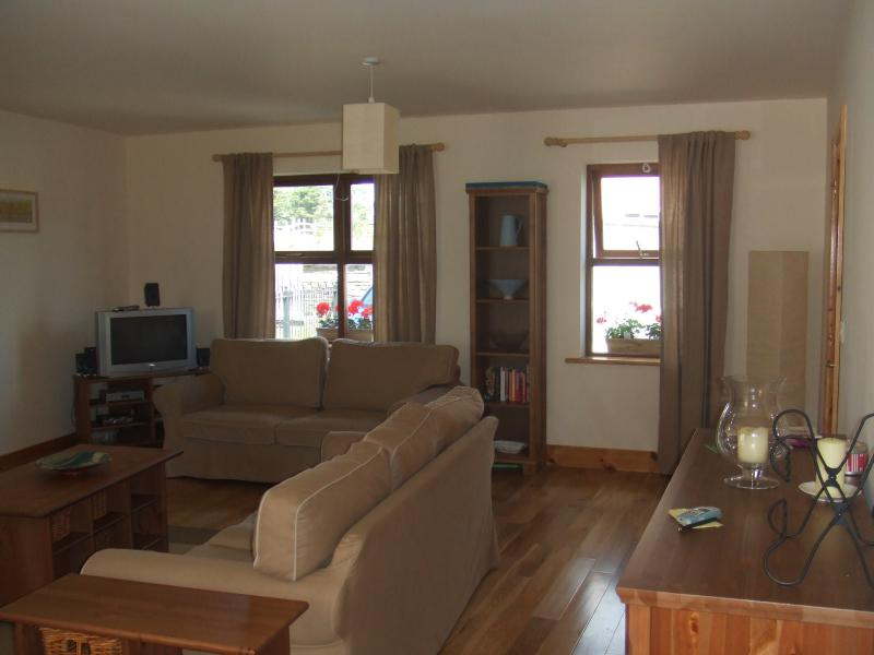 10, The Lawn, Castletownshend, vacation rental in Glandore