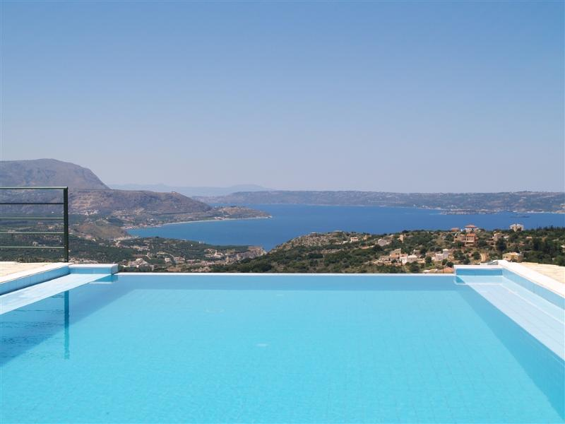 Villa Sarah's Infinity Pool with Views