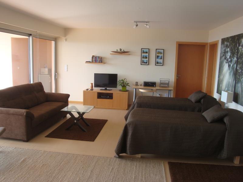 Bedroom 4 (downstairs salon)