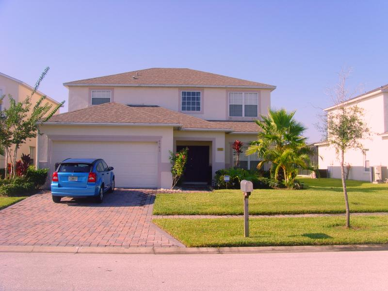 BRUSONS RETREAT, 5 Bed Villa, South Facing Pool & Terrace., location de vacances à Kissimmee