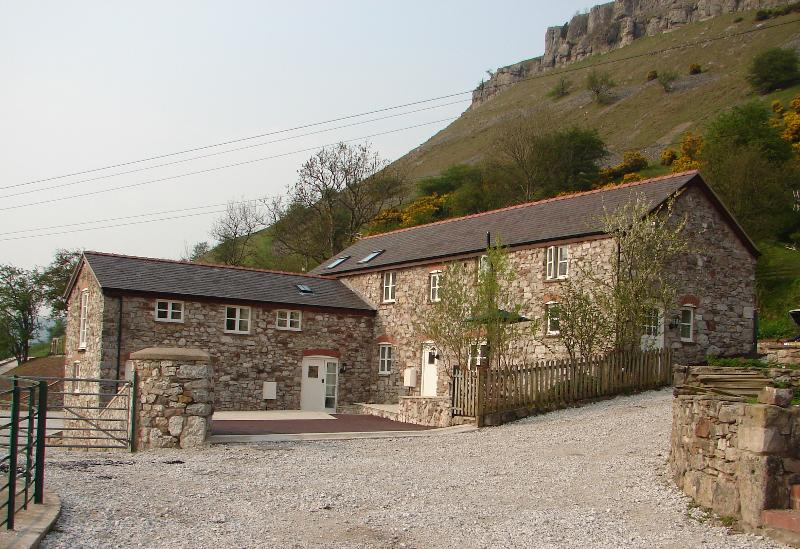 Main view, 1,2,3 bedroom cottages